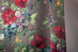 draperie-fonoabsorbanta-model-floral-sali-de-teatru-sau-cinema
